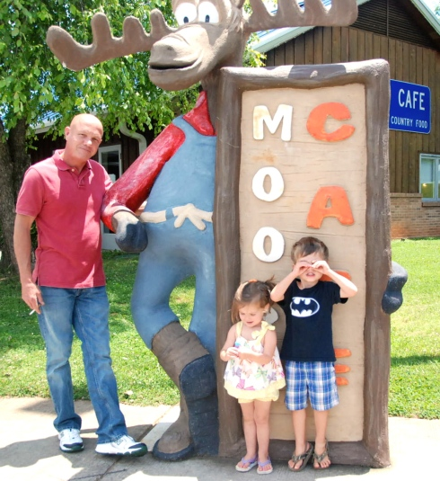 Daddy, Maddie, and Charlie at the Moose Cafe.