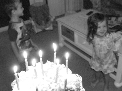 They could hardly wait to sing happy birthday!